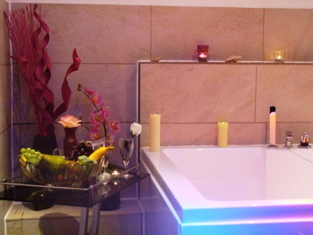 das erholungsparadies mit eigenem whirlpool und p rchensauna f r zwei. Black Bedroom Furniture Sets. Home Design Ideas
